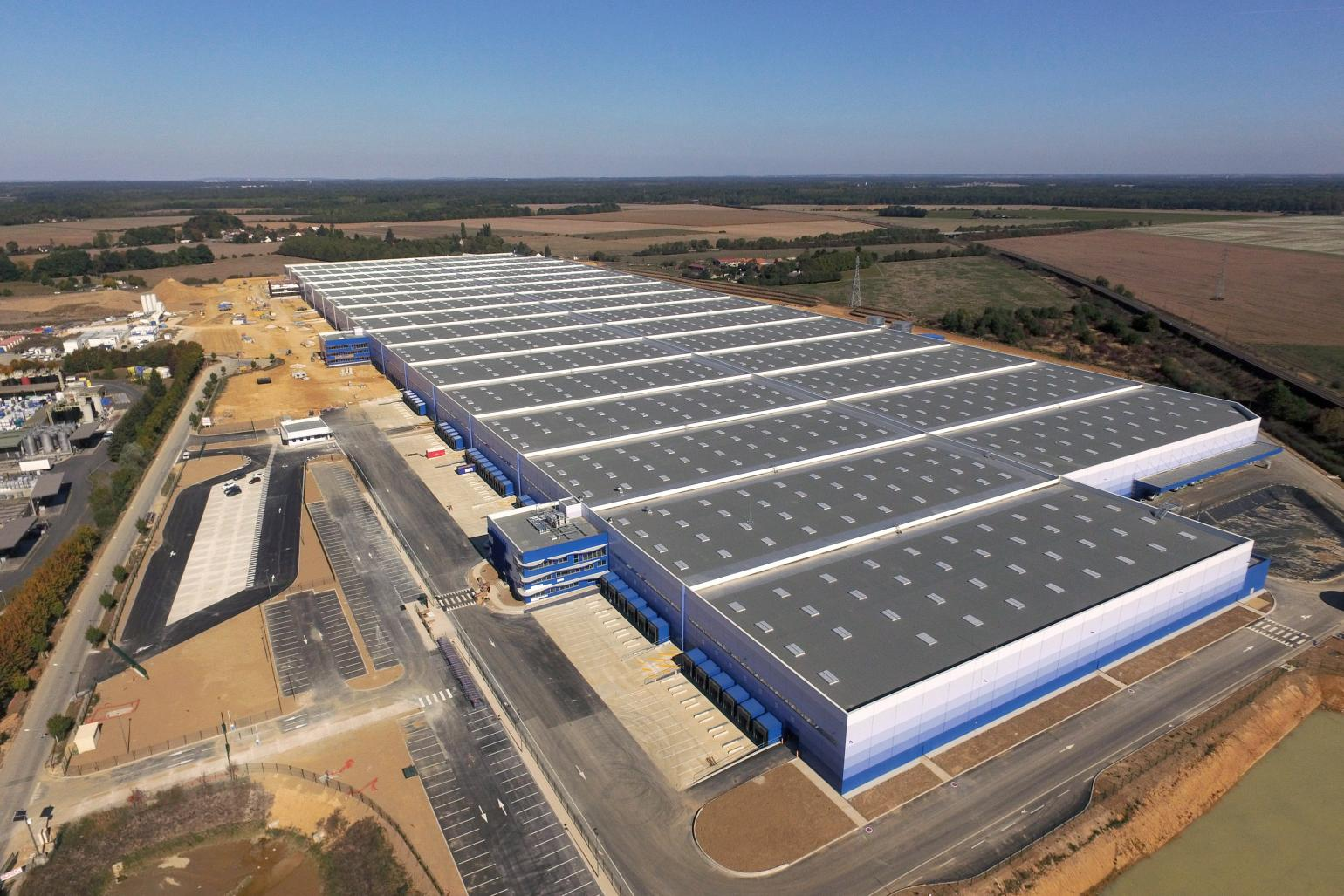 Construction of frances largest warehouse by idec: delivery of the